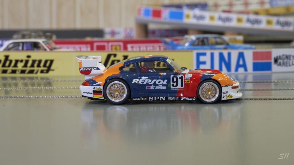 RevoSlot Porsche GT2 Heico Motorsport